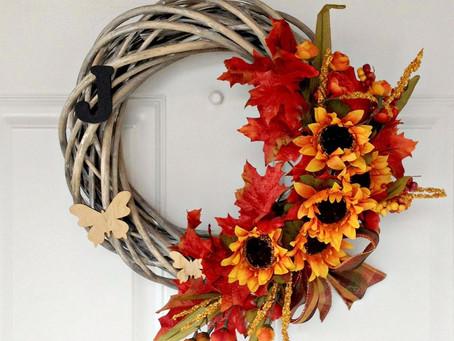DIY fall door wreath - or how to decorate your door wreath for the season