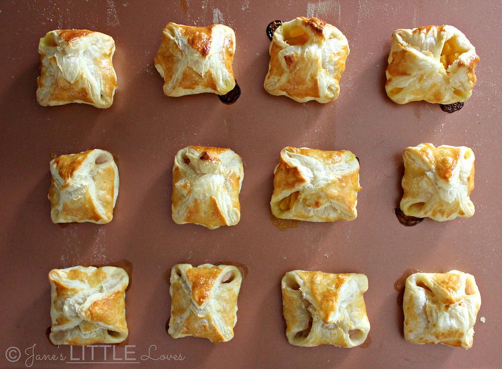 apple mango puff pastry purses