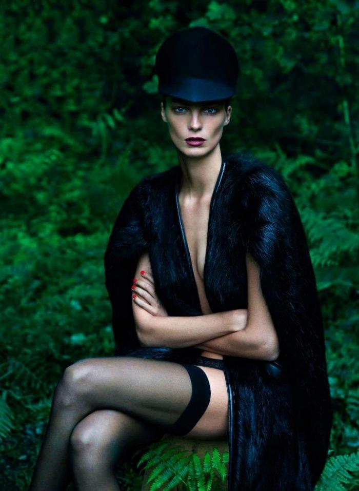 scriptical-wordpress-le-noir-daria-werbowy-by-mert-marcus-for-vogue-paris-september-2012-8