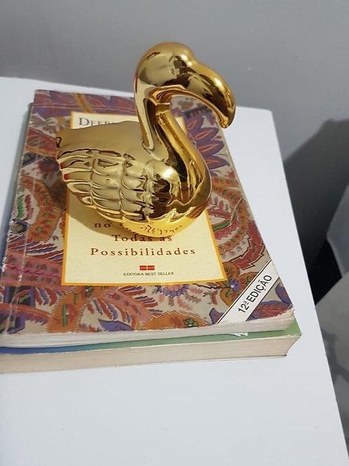 Cisne decorativo dourado