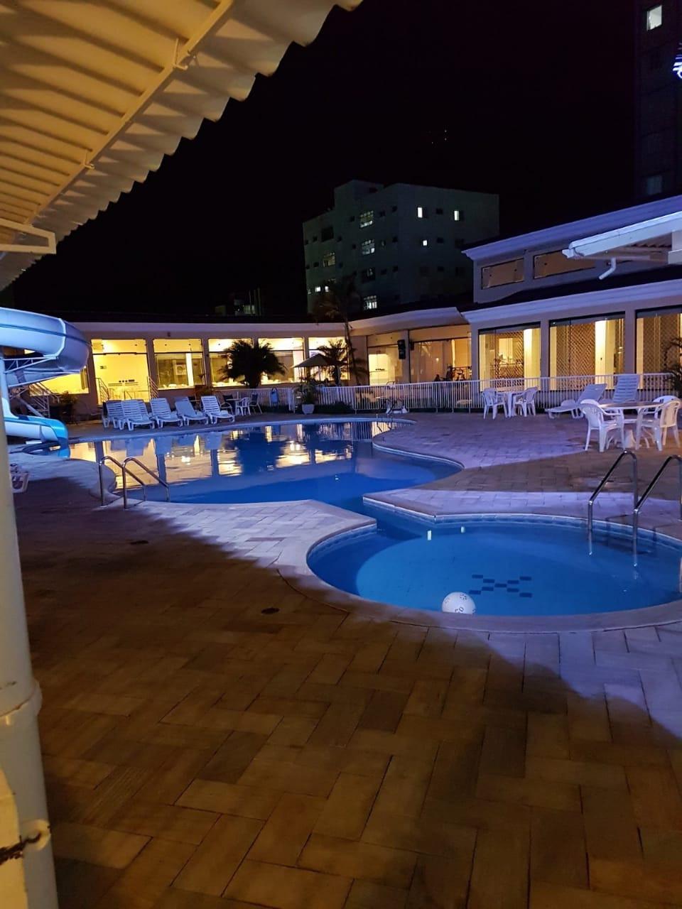 Vista do Hotel - Piscina, tobogã e piscina infantil
