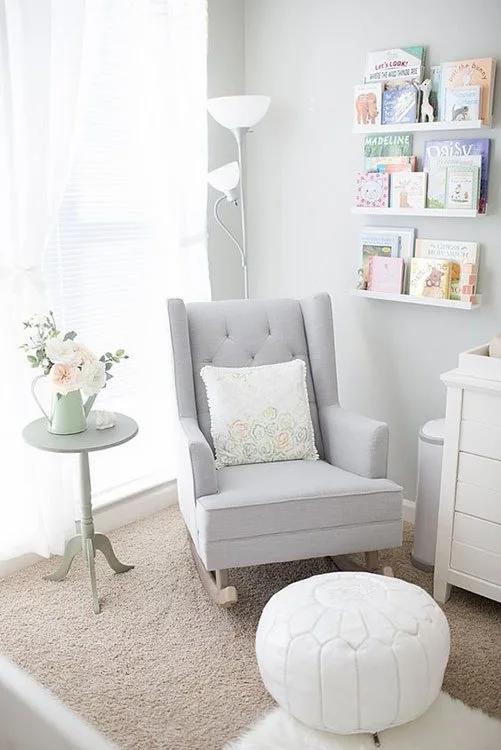 Cadeira de balanço na decoração quarto do bebê