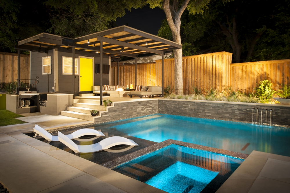 Lakewood Modern Pool & Raised Patio