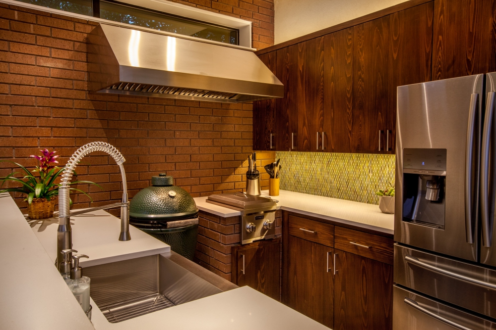 Dallas Modern Outdoor Kitchen Design