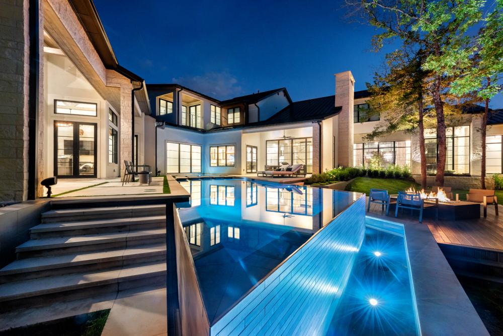 3 Oaks Modern Infinity Edge Pool & Spa