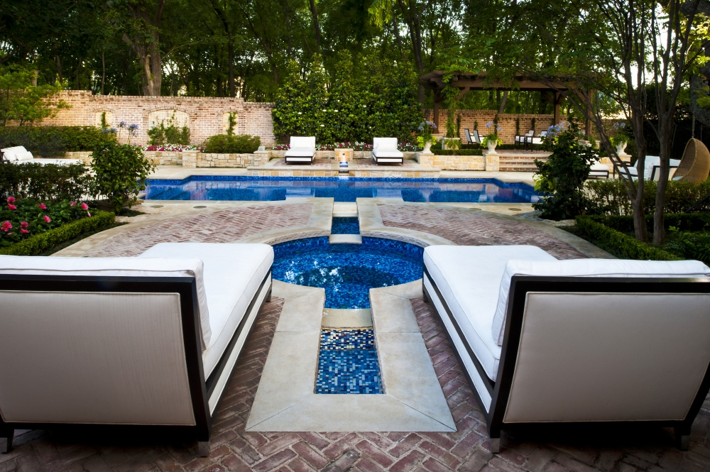 Dallas Transitional Pool & Spa