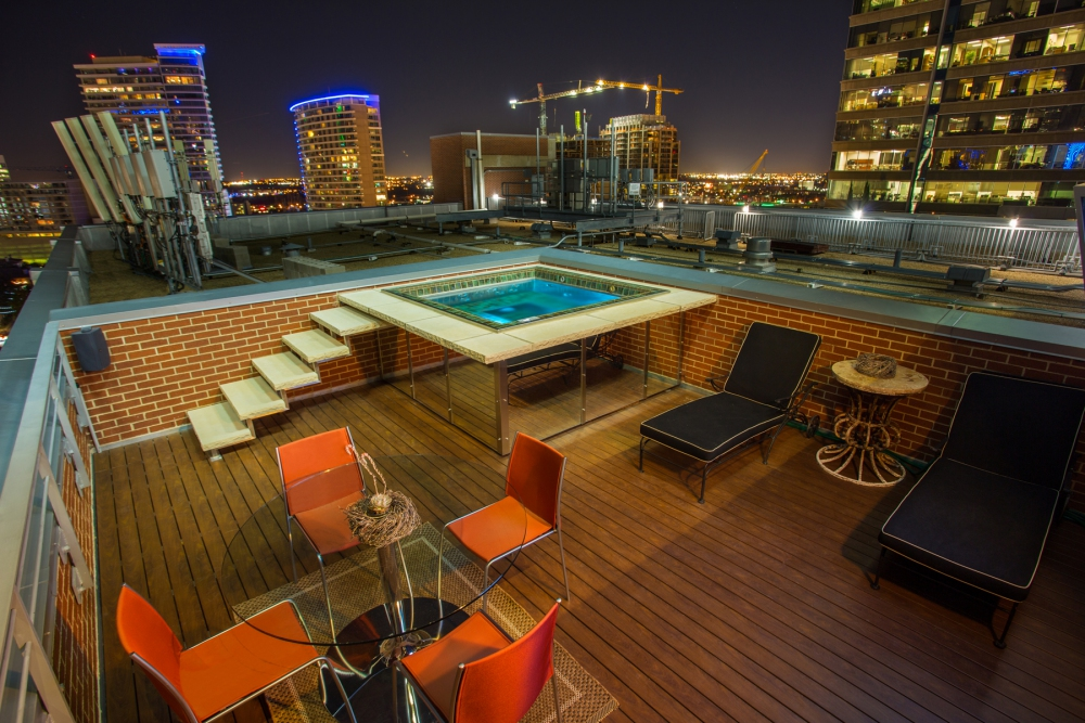 Downtown Dallas Rooftop Spa