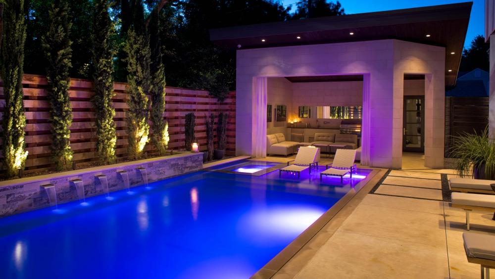Park Cities Modern Courtyard Pool