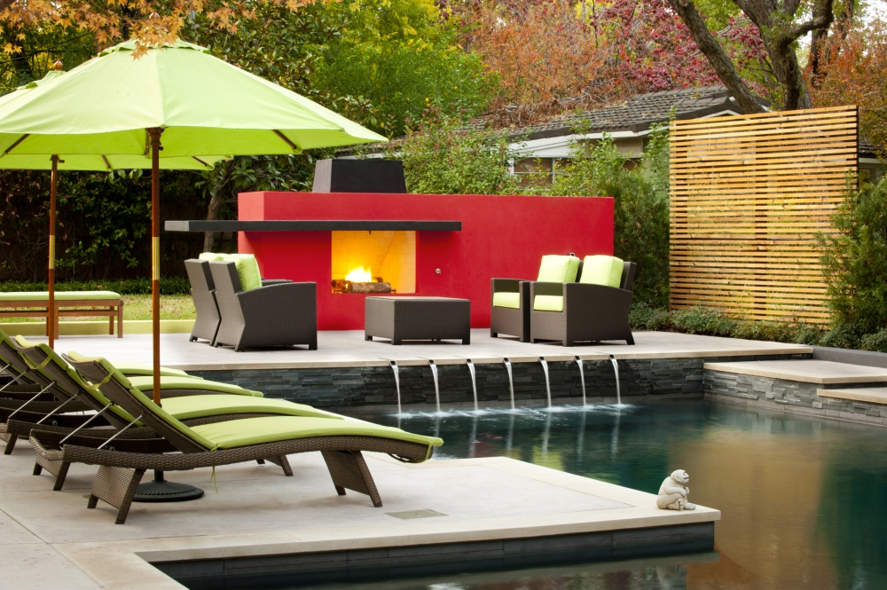 Dallas Modern Pool & Fireplace