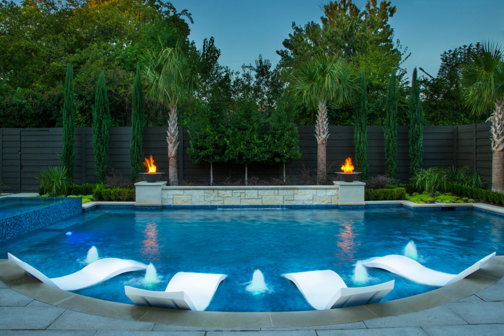 Dallas Large Pool & Raised Spa