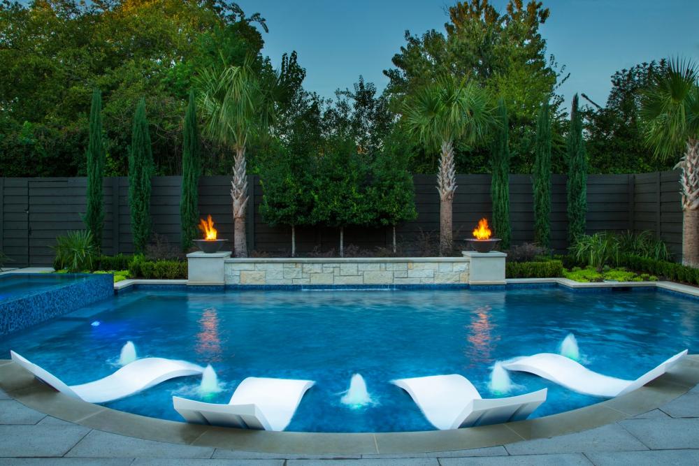 Dallas Large Pool & Raised Spa
