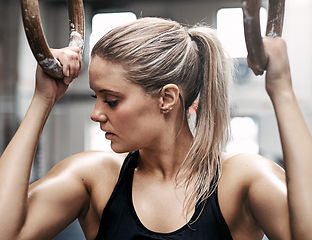 fit-young-woman-sweating-during-a-gym-wo