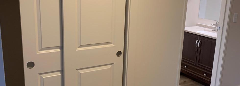 1 Bedroom Entryway