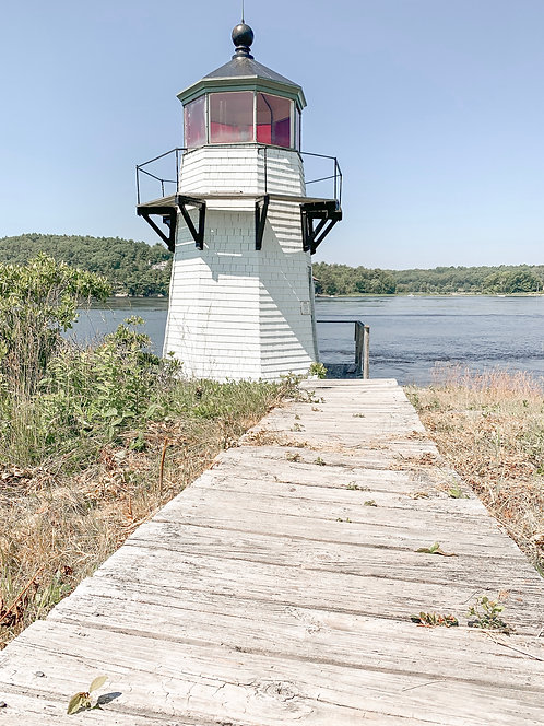 Squirrel Point Light