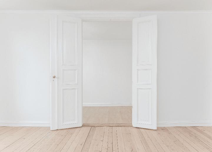 porte-ouverte-fermee-appartement-parisien-depannage-serrurier-paris-5-eme