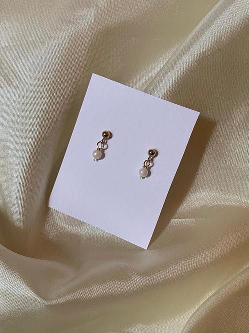 Tiny Pearl Drop Posts