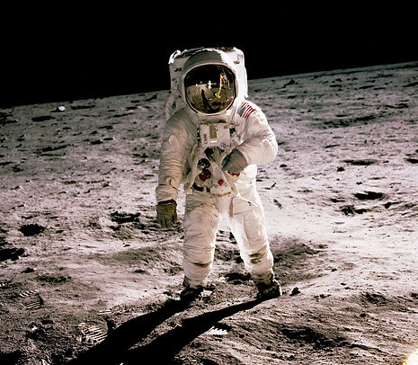 astronaut-history-in-hd-e5eDHbmHprg-unsp