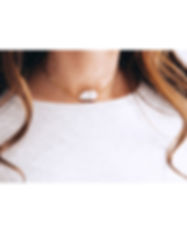 pearl necklace-gold chains-Unique push g