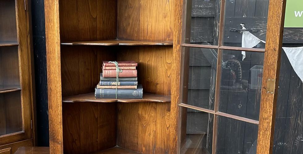 Fine Quality Joined Oak Single Glazed Door Hanging Corner Cabinet With Brackets