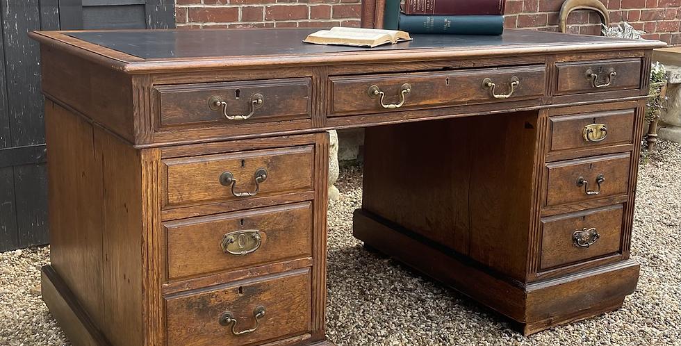 Large Late Victorian Oak Twin Pedestal Kneehole Writing Desk