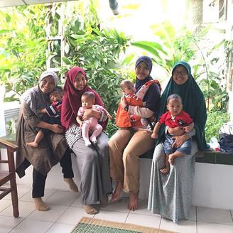 Menyemangati Admin Banten Babywearers