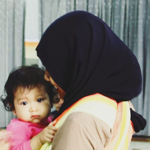 Ibu _mutiarasejati29 punya bayi yang sangat lucu, cantik dan calm._._.jpg