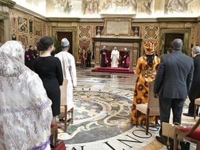Papa a embaixadores: a fraternidade é mais poderosa que o ódio