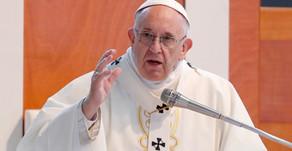 Papa celebra aniversário de sua eleição em oração