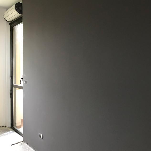 parete nera-min.jpg