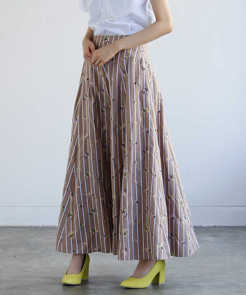 Embroidered stripe flared long skirt