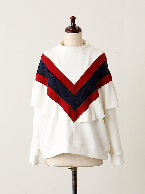 Cable switching French Terry Cape pullover