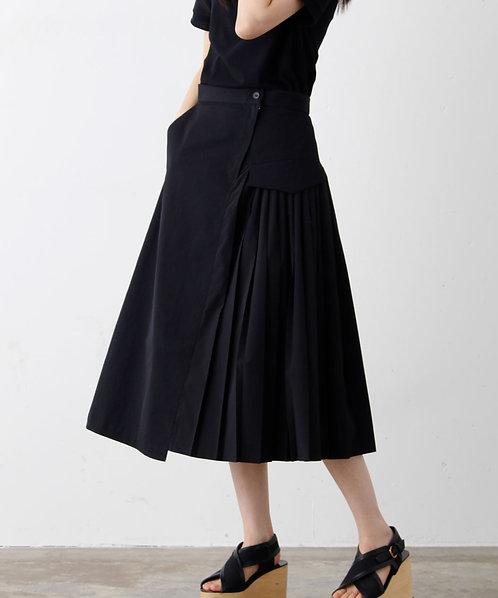 Side pleated flared skirt