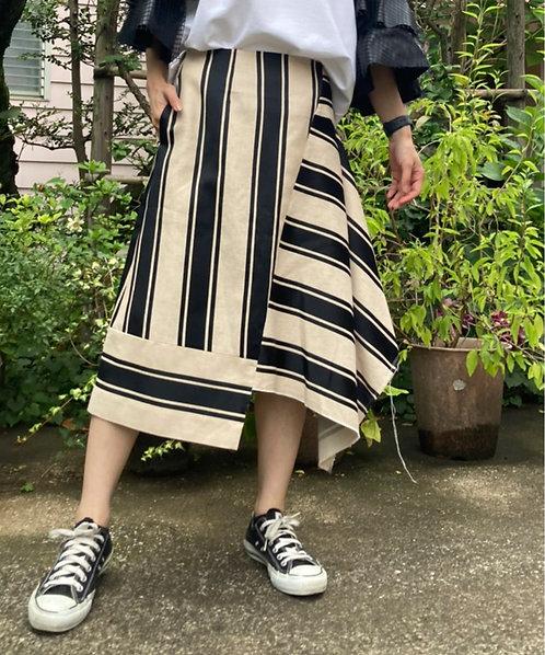 Wide border jacquard skirt