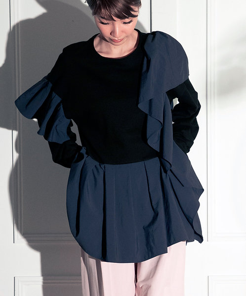Ruffle frill switching pullover