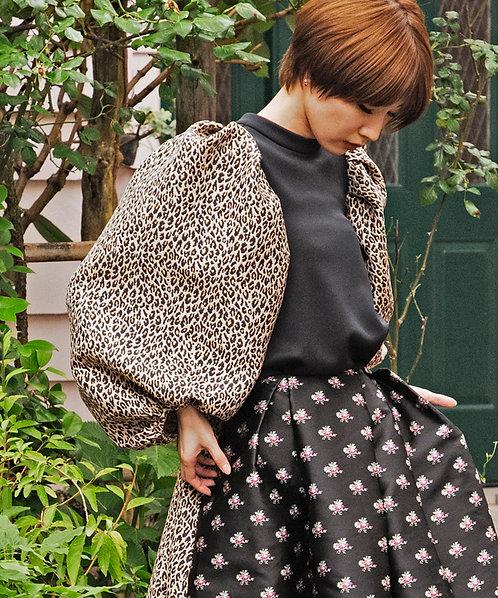 Leopard jacquard power shoulder pullover