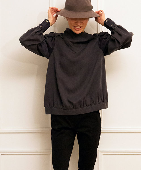 Organdy sleeve switching high neck blouse