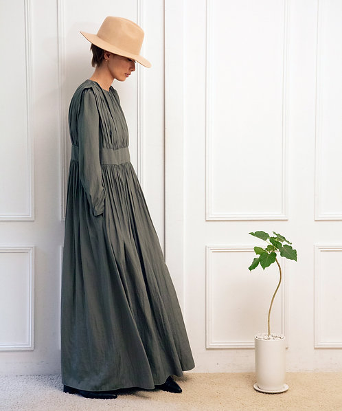 Volume gather maxi dress