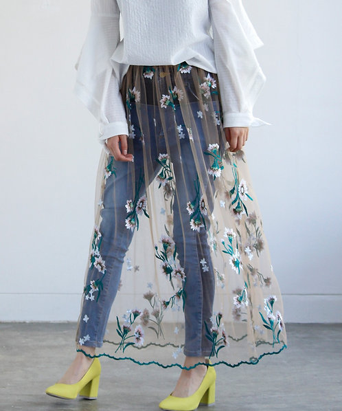 Embroidery lace gather skirt