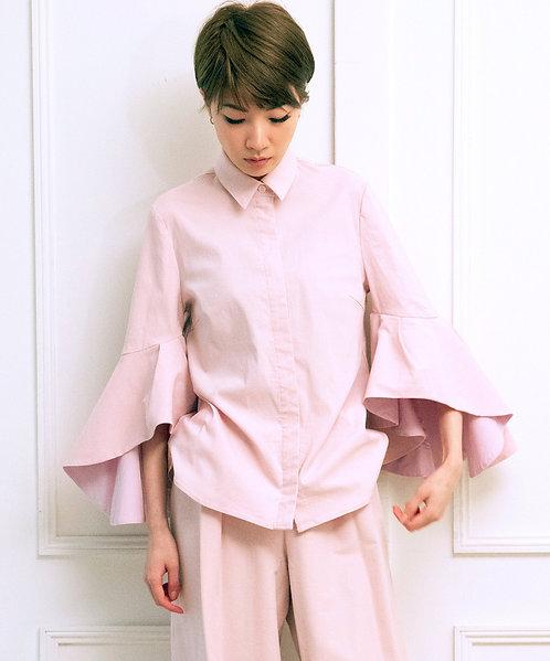Volume frill sleeve shirt blouse