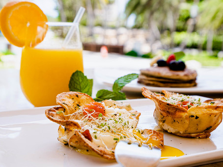 Start with a great morning! Join us at Amore Mio with our Breakfast Menu & Bottomless Bellinis!