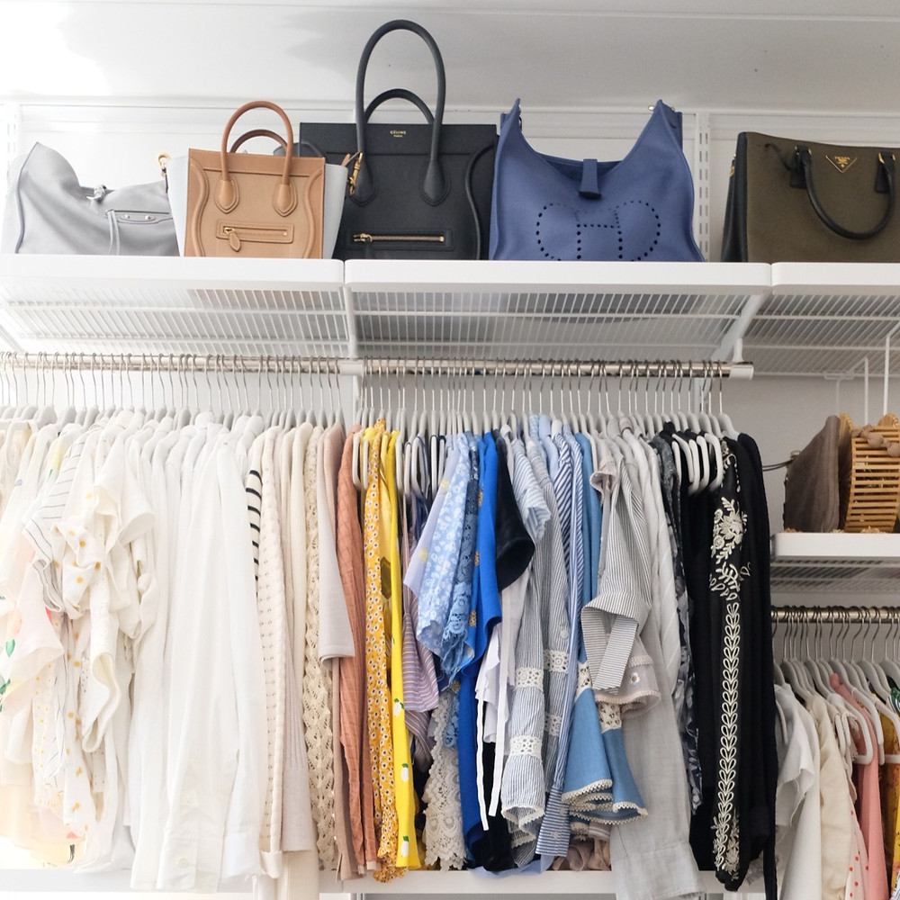 Organization in closets to maximize small spaces