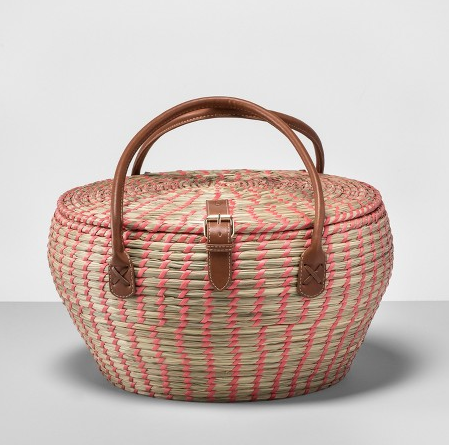 picnic basket with straps
