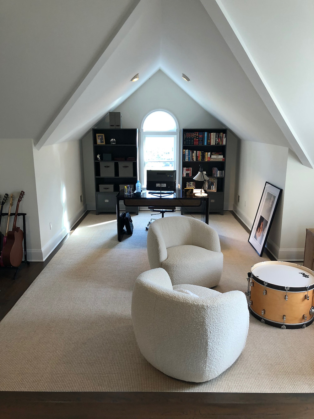 Simple and elegant living room