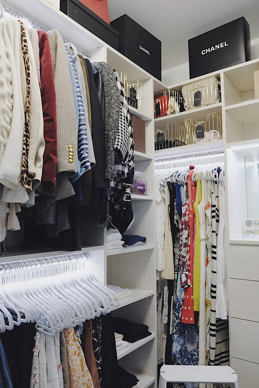 Closet organized for the summer season
