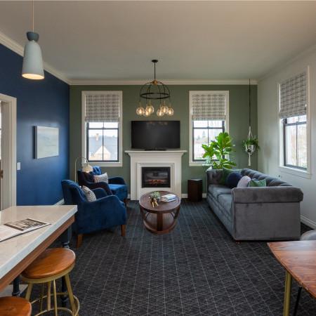 Balcony Suite - $500