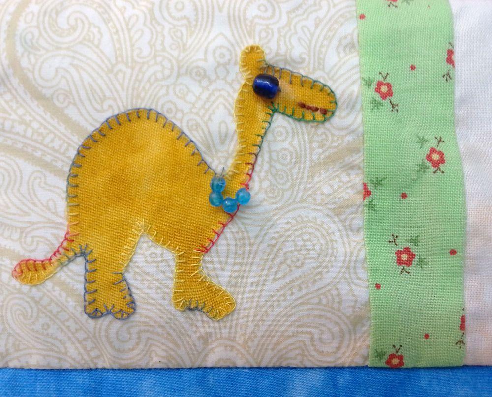 camel applique אמנית: אתי דורמן