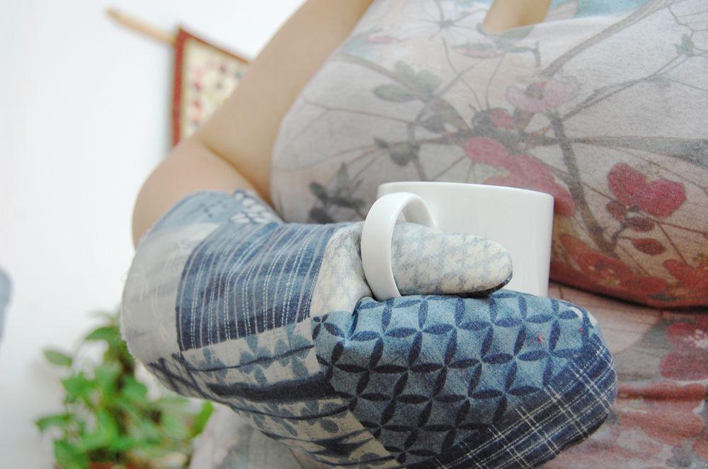 אמנית: דנית רופא, כפפת מטבח טלאים