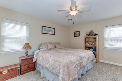 Second Master bedroom.jpg