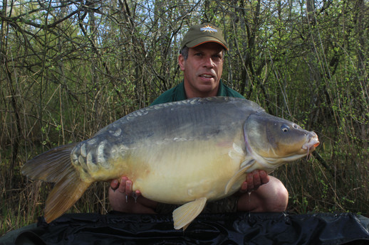Lee 0945 Mirror 41.12lb 15th.jpg