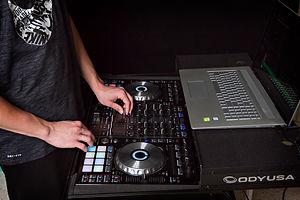 DJ Pic1.jpg